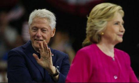 FBI bat ngo cong bo ho so dieu tra cuu Tong thong Bill Clinton - Anh 1