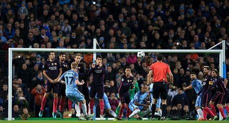 Man City 3-1 Barcelona: De Bruyne sut phat sieu dep, Guendogan lap cu dup, Pep 'bao thu' ngot ngao - Anh 3