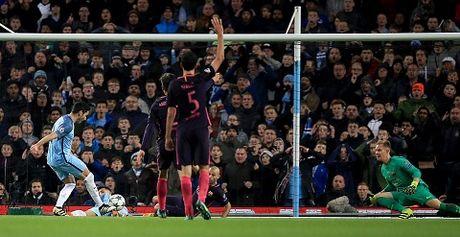 Man City 3-1 Barcelona: De Bruyne sut phat sieu dep, Guendogan lap cu dup, Pep 'bao thu' ngot ngao - Anh 4