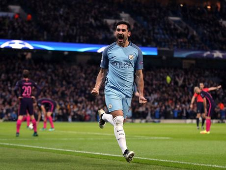 DIEM NHAN Man City 3-1 Barca: Noi nho Iniesta, nguoi hung De Bruyne, va chia khoa mang ten pressing - Anh 1