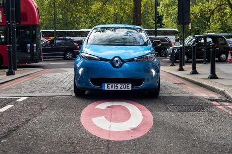 Renault Zoe 2017 chao ban o Anh voi gia sieu re - Anh 2