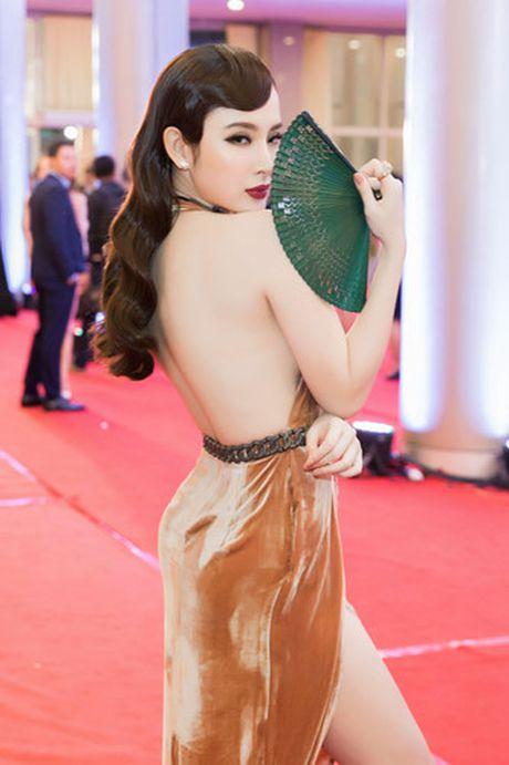 Hinh anh goi cam cua Angela Phuong Trinh tren tham do - Anh 6
