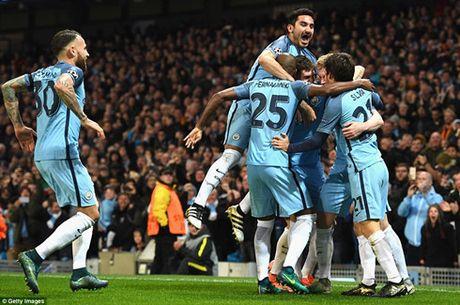 Du am Man City 3 – 1 Barca: Lai nga mu truoc Pep Guardiola - Anh 1