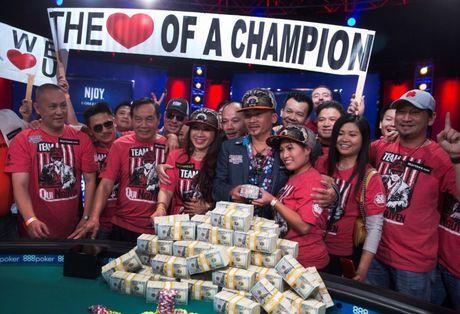 Tay choi Poker nguoi Viet gianh giai thuong tri gia 8 trieu USD - Anh 1