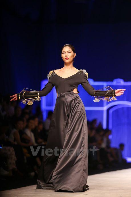 Ca sy Toc Tien quyen ru voi bo suu tap trang suc 'Toi yeu Viet Nam' - Anh 3