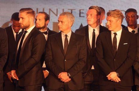 Mourinho het 'dac biet,' goi Schweinsteiger tro lai giup M.U - Anh 4