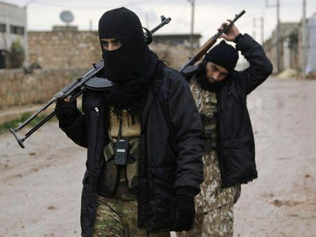 Phien quan mo cac cuoc tan cong moi nham pha vong vay o Aleppo - Anh 1