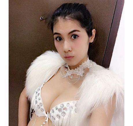 Choang voi doi thuong cua my nhan phim 18+ dang duoc 'san lung' - Anh 1
