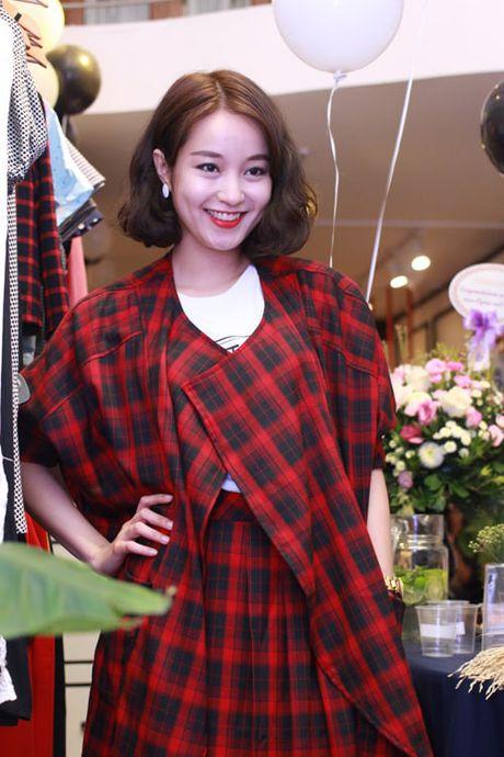 4 hot girl 'doi dau' lam me don than co nhan sac van nguoi me - Anh 1