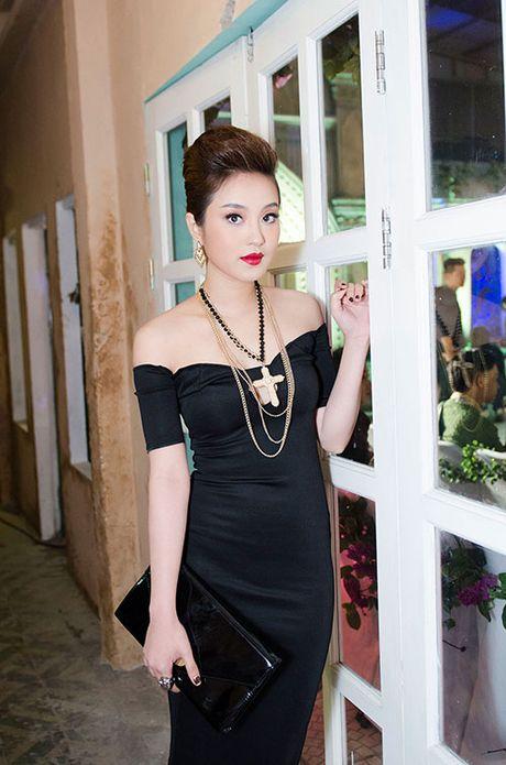 4 hot girl 'doi dau' lam me don than co nhan sac van nguoi me - Anh 2