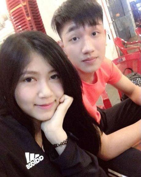 'Hot boy' U19 Viet Nam tiet lo ban gai hon tuoi cuc xinh - Anh 1