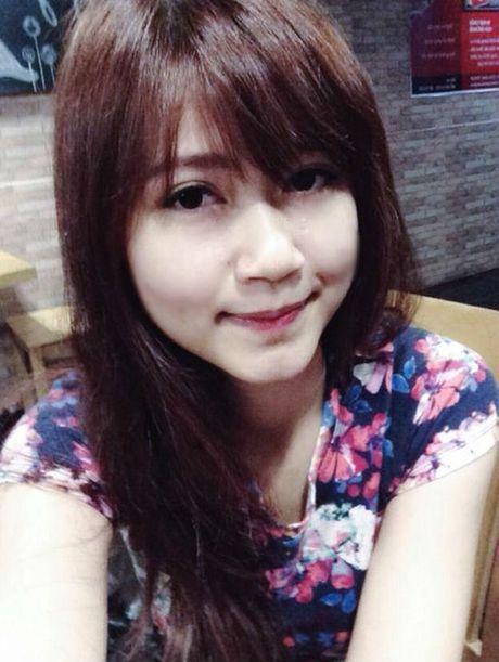 'Hot boy' U19 Viet Nam tiet lo ban gai hon tuoi cuc xinh - Anh 4
