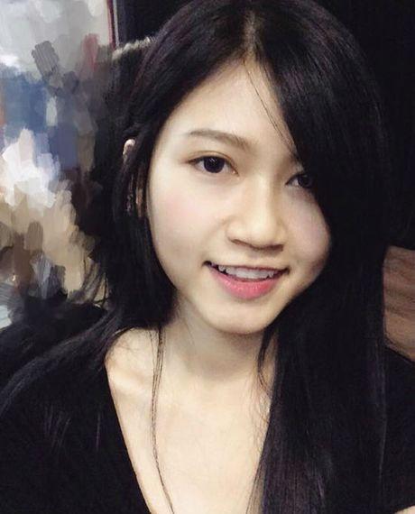'Hot boy' U19 Viet Nam tiet lo ban gai hon tuoi cuc xinh - Anh 5