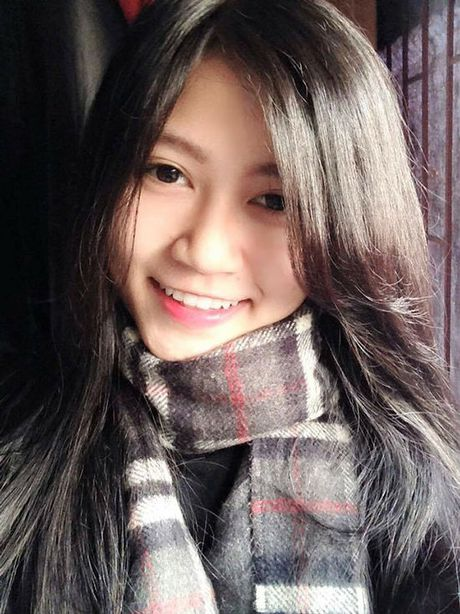 'Hot boy' U19 Viet Nam tiet lo ban gai hon tuoi cuc xinh - Anh 8