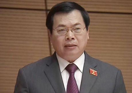 Vi sao da nghi huu, nguyen Bo truong Vu Huy Hoang van bi cach chuc? - Anh 1