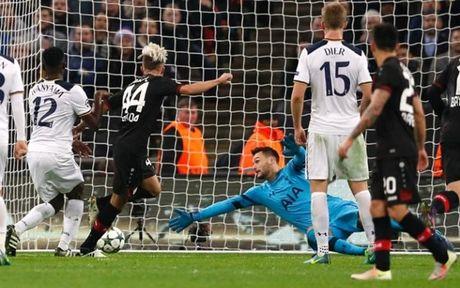 Ha sat Tottenham, Leverkusen dat mot chan vao vong knock-out - Anh 1