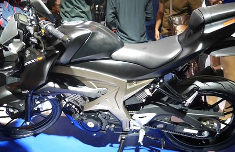 Can canh 'xe no' con tay gia re Suzuki GSX-S150 - Anh 3