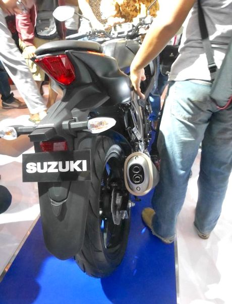 Can canh 'xe no' con tay gia re Suzuki GSX-S150 - Anh 7