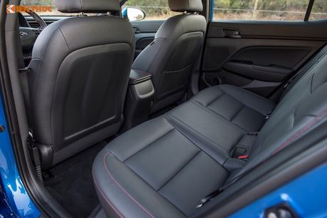 Hyundai Elantra Sport ban the thao 'chot gia' 501 trieu - Anh 6