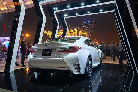 Xe tien ty Lexus RC noi bat tai Tuan le thoi trang 2016 - Anh 2