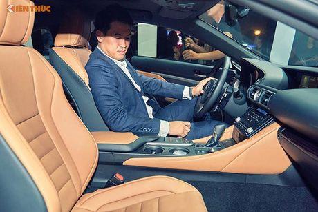 Xe tien ty Lexus RC noi bat tai Tuan le thoi trang 2016 - Anh 5