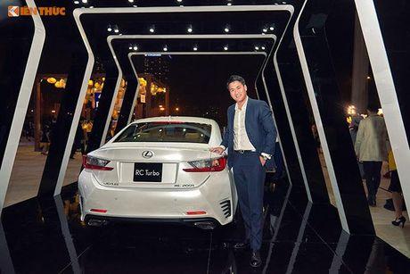 Xe tien ty Lexus RC noi bat tai Tuan le thoi trang 2016 - Anh 8