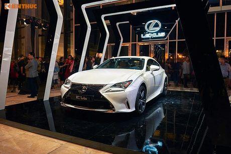 Xe tien ty Lexus RC noi bat tai Tuan le thoi trang 2016 - Anh 9