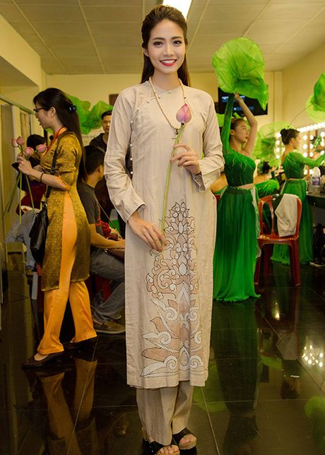 Ngoc Diem do sac cung Hoa hau Bien Ninh Hoang Ngan - Anh 3