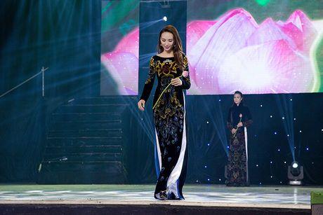 Ngoc Diem do sac cung Hoa hau Bien Ninh Hoang Ngan - Anh 9
