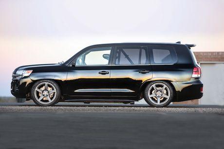 Toyota Land Cruiser do sieu manh toi 2000 ma luc - Anh 2