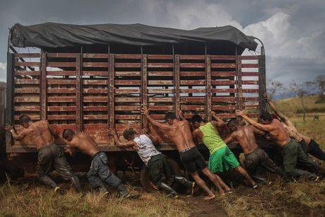 Cuoc song khong tieng sung cua thanh vien FARC o Clombia - Anh 11