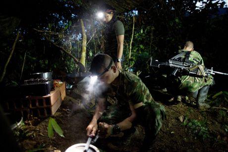 Cuoc song khong tieng sung cua thanh vien FARC o Clombia - Anh 14