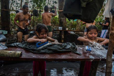 Cuoc song khong tieng sung cua thanh vien FARC o Clombia - Anh 3