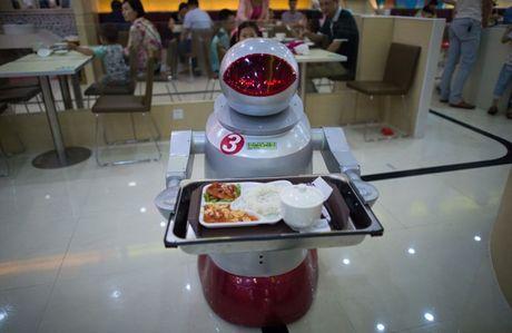 Robot dang dan thay the con nguoi trong cuoc song thuong ngay - Anh 1