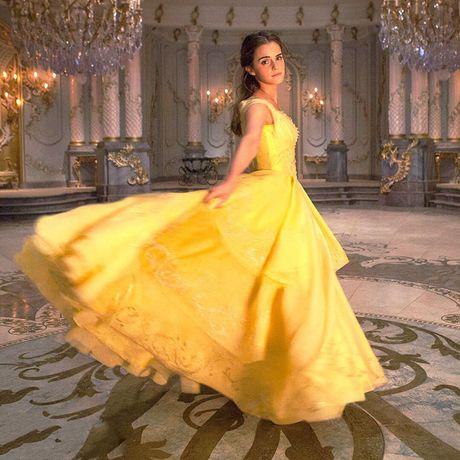 Fan nuc long voi tao hinh kieu diem cua Emma Watson trong 'Nguoi dep va quai vat' - Anh 1