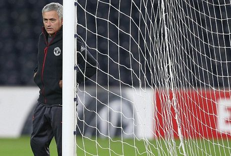 FA chinh thuc chot an phat cho Mourinho - Anh 1