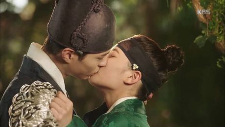 Kim Yoo Jung: Me va chi gai so toi yeu Park Bo Gum - Anh 2