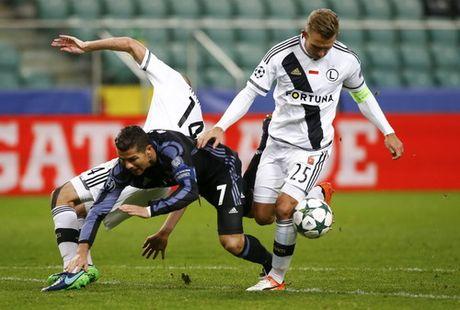 Ronaldo tit ngoi trong tran cau 6 ban thang o Warsaw - Anh 3