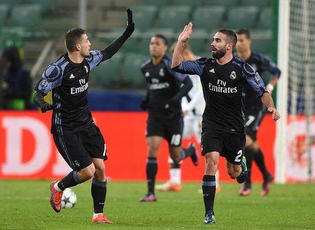 Ronaldo tit ngoi trong tran cau 6 ban thang o Warsaw - Anh 5