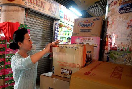 Cho Binh Tay dong cua, hang ngan tieu thuong doi ra cho tam - Anh 3