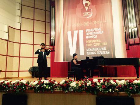 Tran Le Quang Tien doat giai nhat cuoc thi violin quoc te - Anh 1