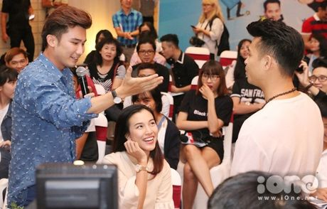 Chi Thien bi Truong The Vinh 'cuop' doi trai - Anh 1