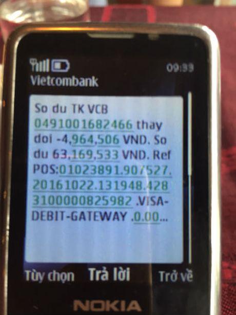 Khach hang bao mat 20 trieu dong trong tai khoan Vietcombank: Cho tra soat 6 thang! - Anh 2