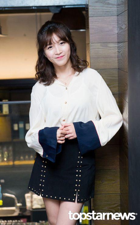 Sau IU, Lee Jun Ki lai tiep tuc tranh gianh nguoi dep cung dan my nam - Anh 4
