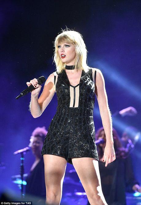 Taylor Swift dinh tin don... co bau voi tinh cu - Anh 4