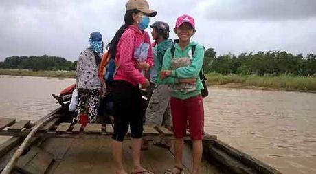 Quang Ngai: Hoc sinh thanh pho khon don giua oc dao - Anh 2