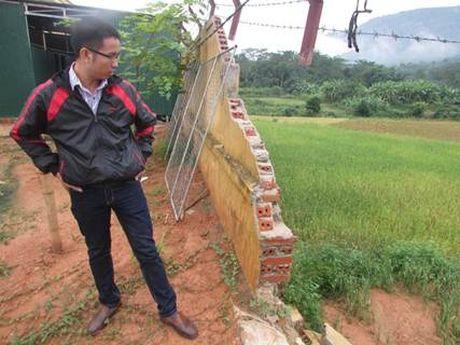 Que Phong, Nghe An: Truong pho thong dan toc noi tru xuong cap nghiem trong sau lu - Anh 3