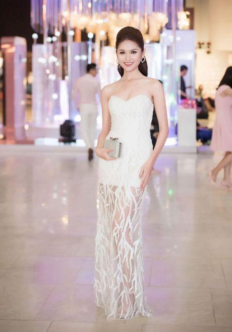 Lam Chi Khanh do 'nguc khung' voi dan my nhan Viet - Anh 10
