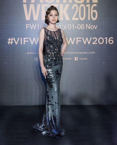Lam Chi Khanh do 'nguc khung' voi dan my nhan Viet - Anh 15