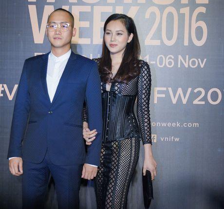 Lam Chi Khanh do 'nguc khung' voi dan my nhan Viet - Anh 23